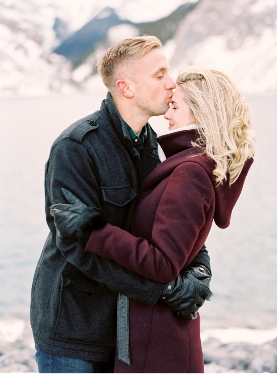 Engagement-Portraits-in-Snowy-Canadian-Rockies