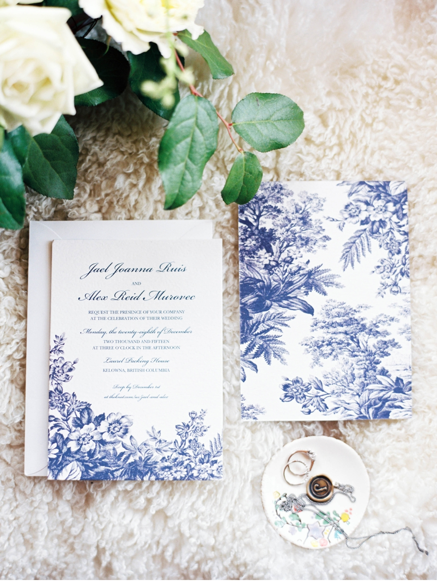 Blue-and-White-Heirloom-Wedding-Invitations