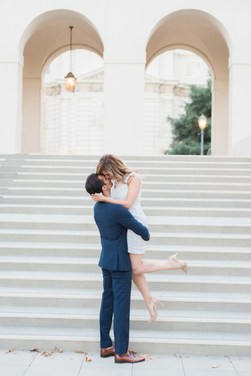 pasadena_city_hall_engagement_session_los_angeles_wedding_photography-3.jpg