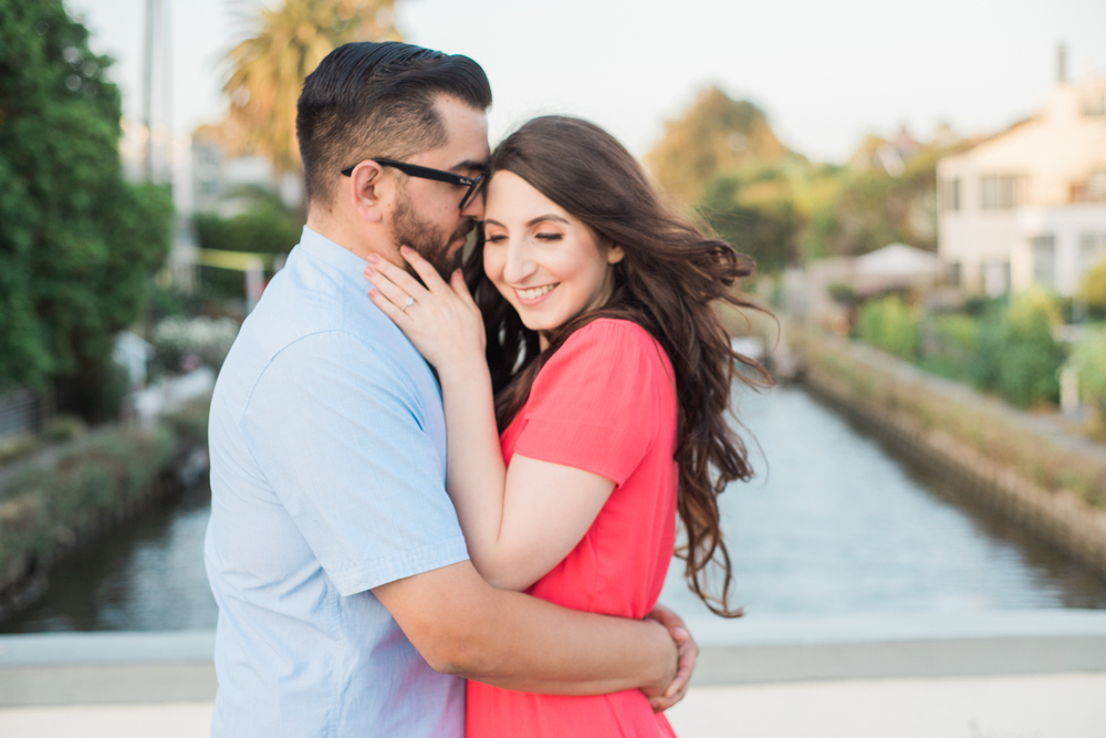 lauren&anthony-venice-canals-engagement-session-photography-los-angeles-wedding-photographer-venice-6.jpg