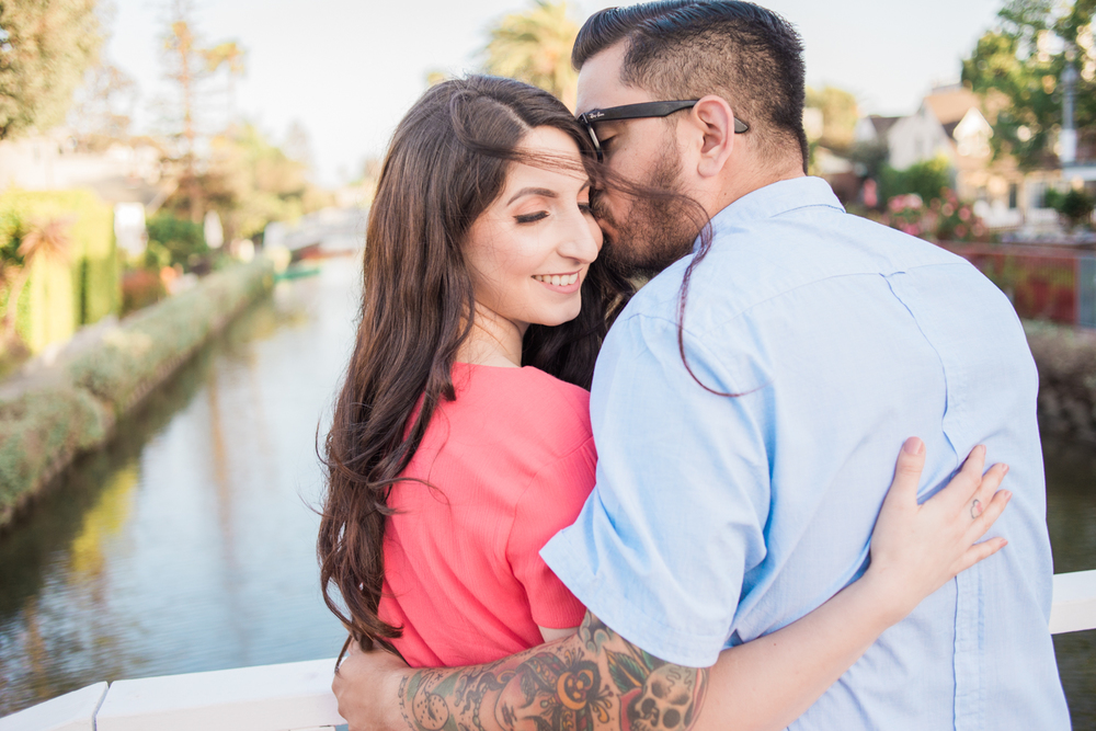 lauren&anthony-venice-canals-engagement-session-photography-los-angeles-wedding-photographer-venice-10.jpg