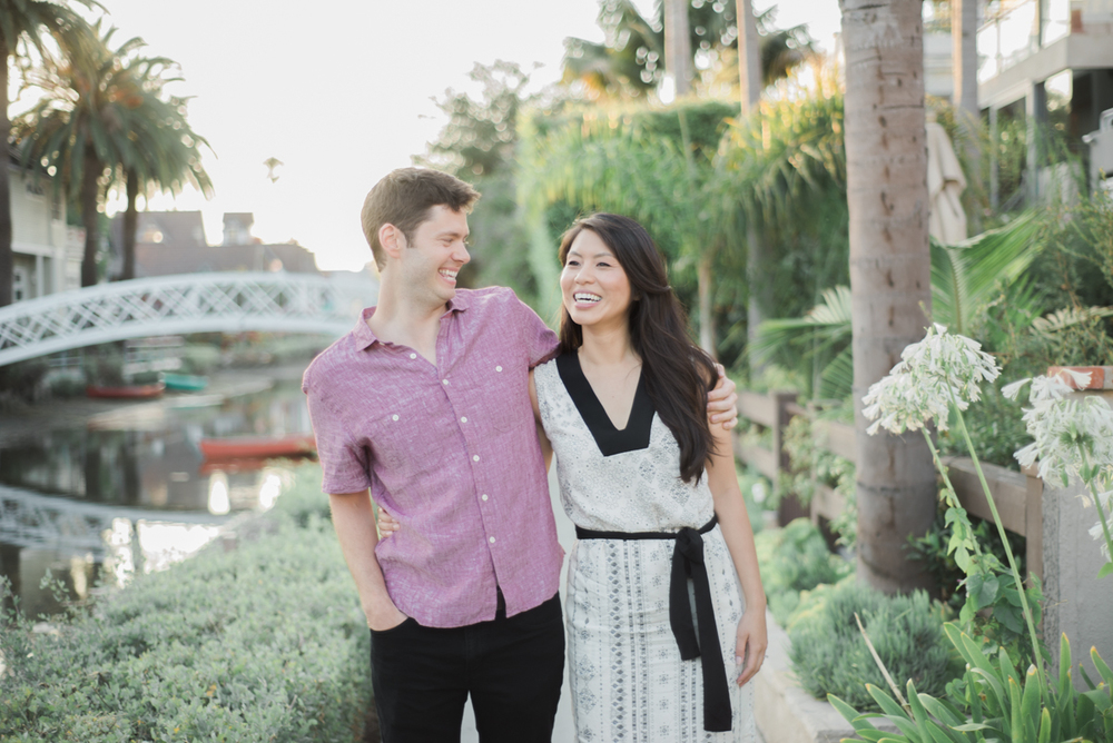 daisy&adam_venice_canals_engagement_session_photography_los_angeles_based_wedding_photographer-6.jpg