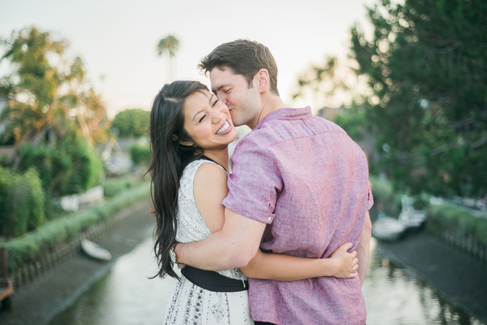 daisy&adam_venice_canals_engagement_session_photography_los_angeles_based_wedding_photographer-16.jpg
