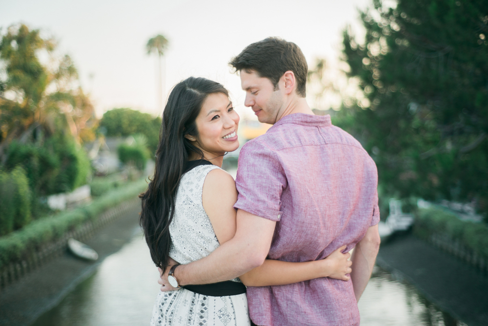 daisy&adam_venice_canals_engagement_session_photography_los_angeles_based_wedding_photographer-22.jpg