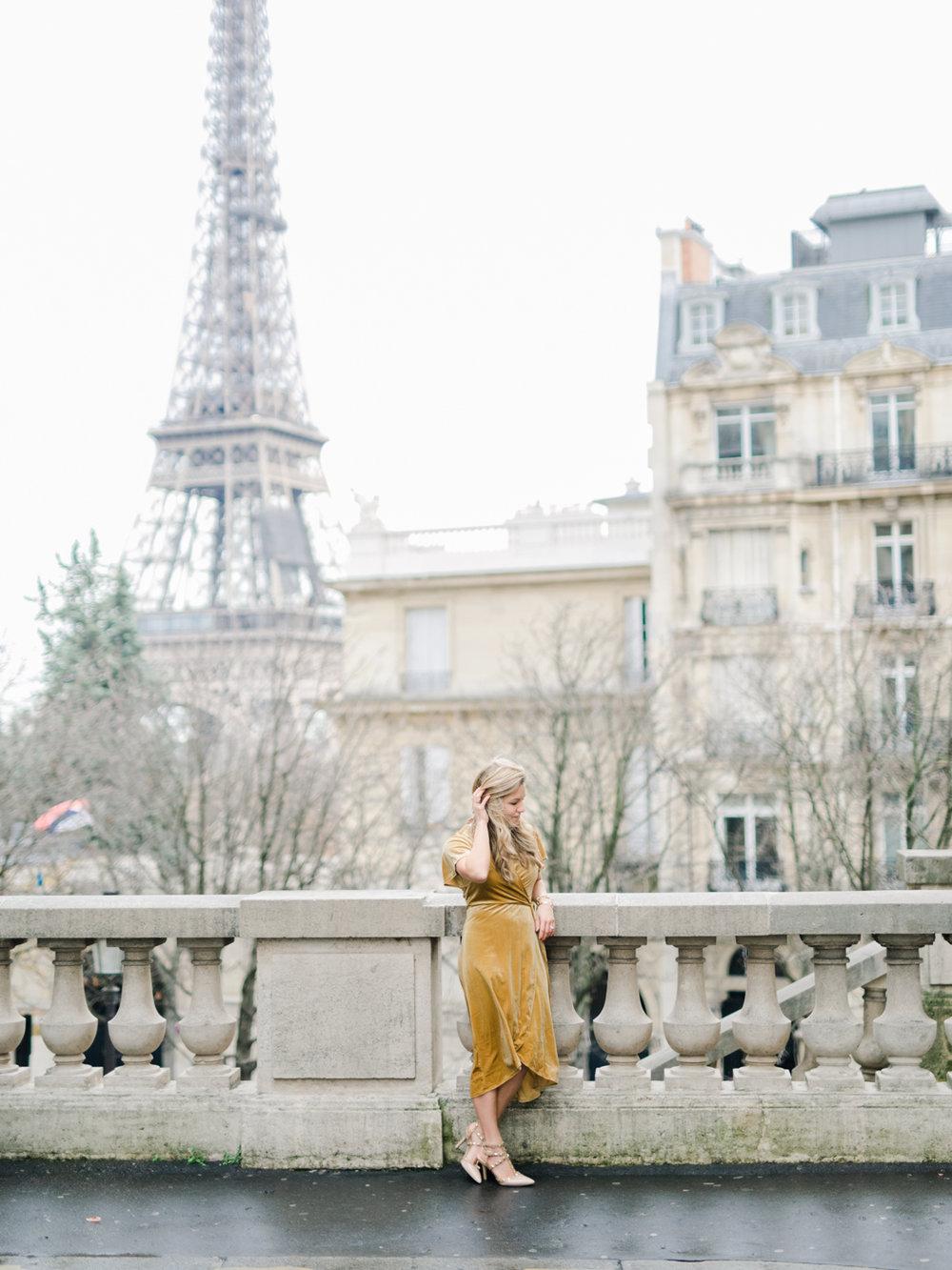 Parisian_Love_Shoot_Wedding_Photographer_Paris_Eiffel_Tower-7.jpg