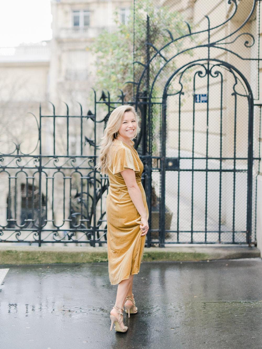 Parisian_Love_Shoot_Wedding_Photographer_Paris_Eiffel_Tower-9.jpg
