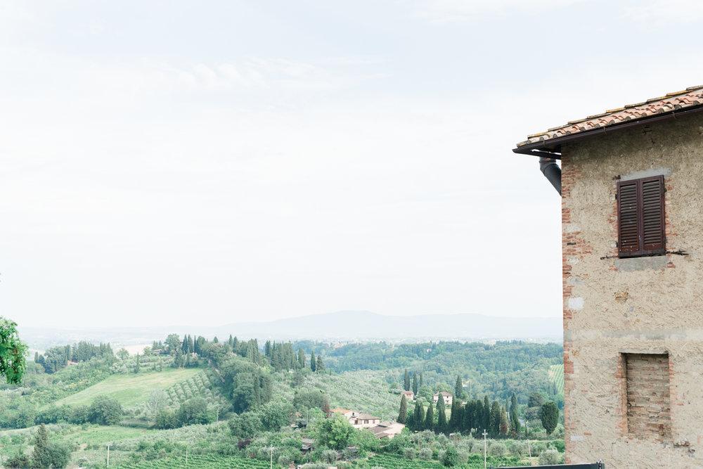 AKP_San_Gimignano_Tuscany_family_shoot_wedding_engagement_photographer-2.jpg
