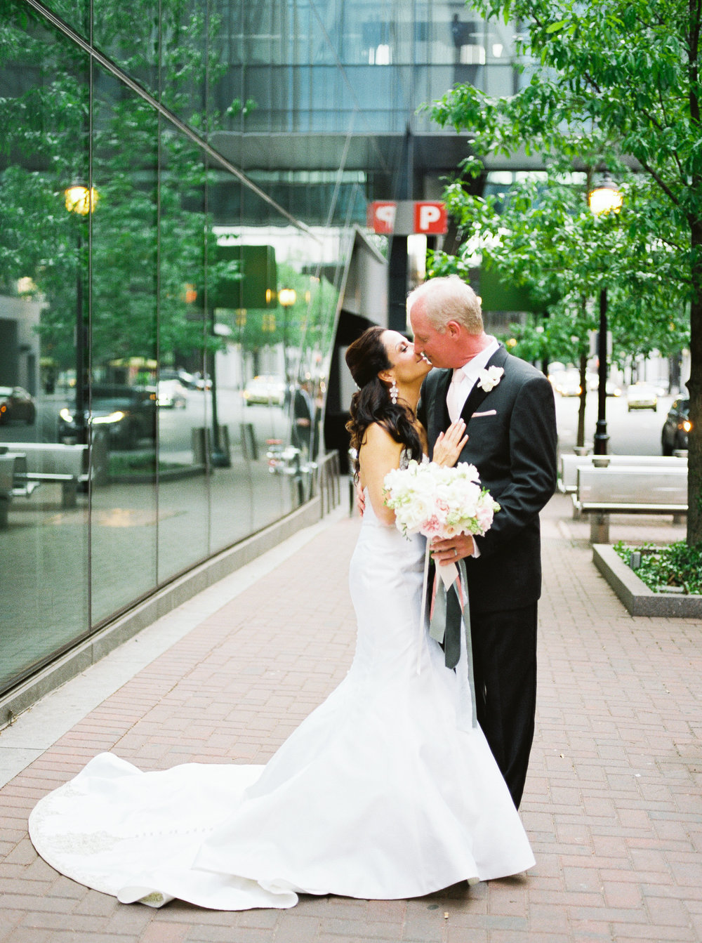 Real Wedding: Sophisticated Glamour at The Ritz Carlton Urban Garden ...
