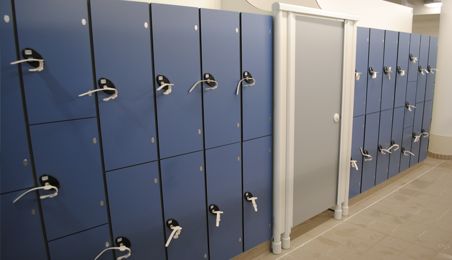changing-room-lockers-construction.jpg