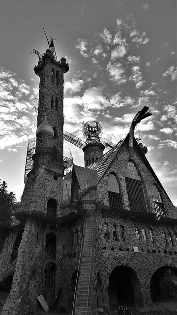 bishops-castle-1043510_640.jpg