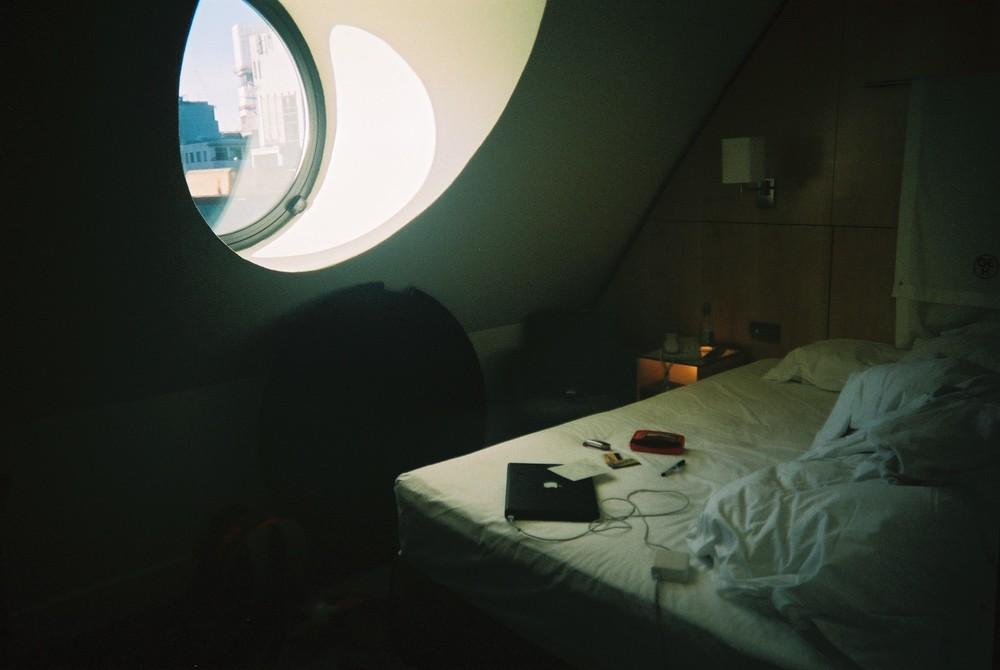 Hotel (Cama) 2006