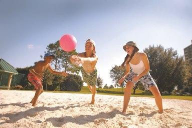 mcowc-volleyball-0028-hor-clsc.jpg