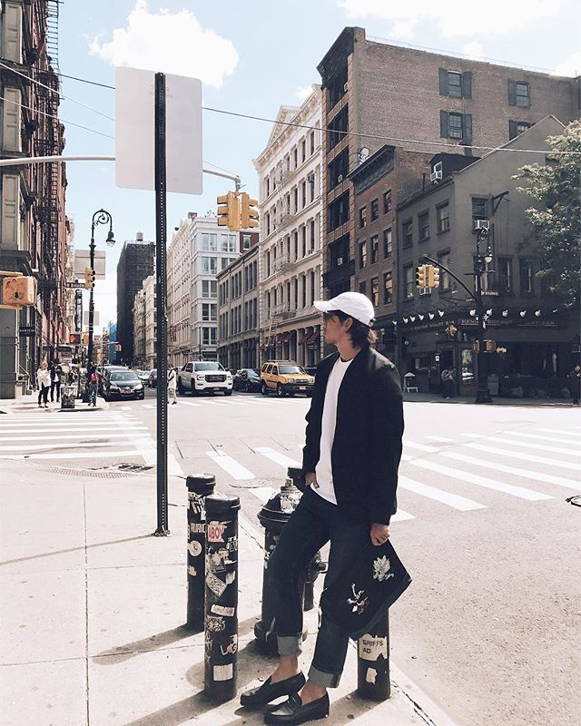 NYは日本より涼しい。  秋服あんま持ってきて無かったからディナー用に持ってきてたジャケットをやたら着てる。  #mensfashion #mens #fashion #outfit #ootd #newyork #nyc #maisonmargiela #acne #supreme #richardson #jmweston #keitamaruyama