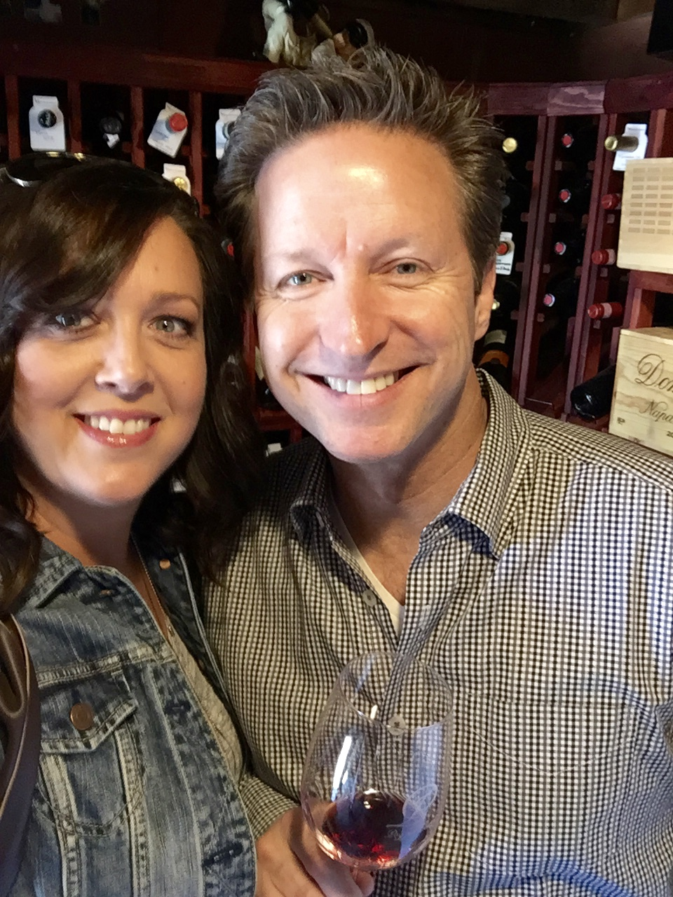 After church on Sunday we went to a wine pick up party at Alex's vineyard.  Each time Alex has wine and cheese and lots of food in his beautiful vineyard and then you pick up your quarterly shipment of wine and olive oil.  It's a great day and a fun time to visit with people!