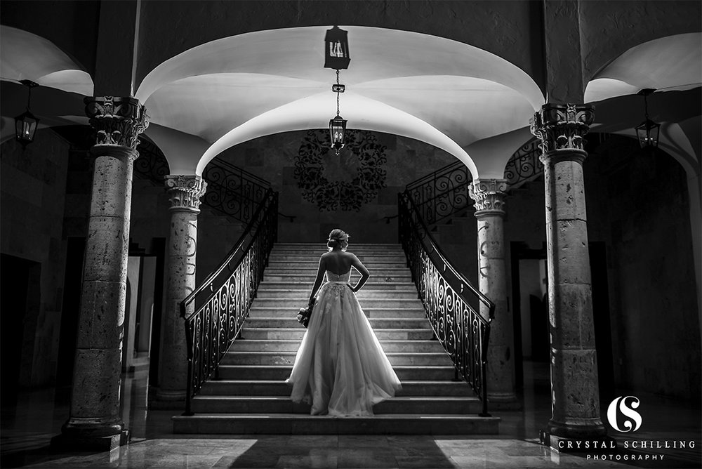 Black and White Bridal on Carillon Stairs.jpg