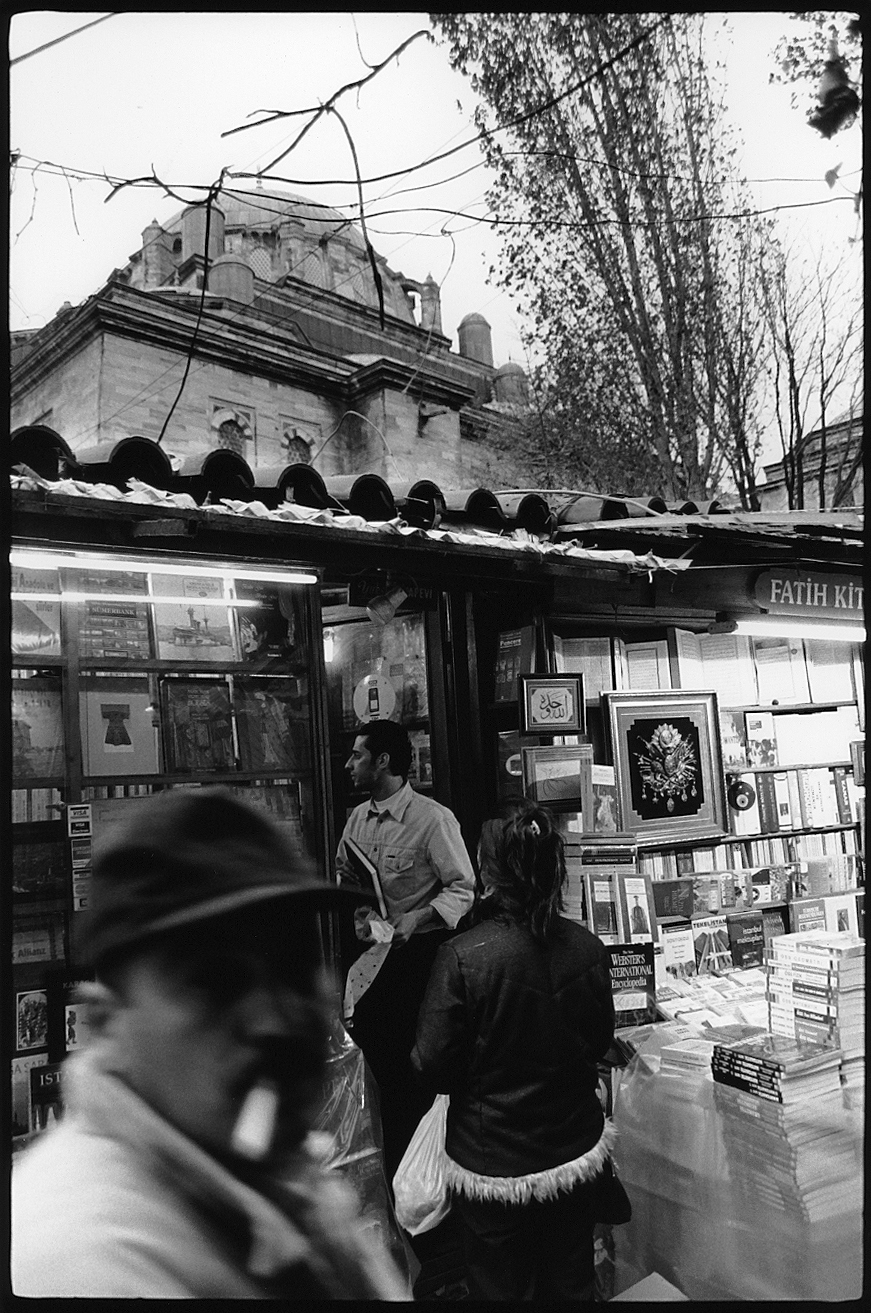 Booksellers, Istanbul, 2001