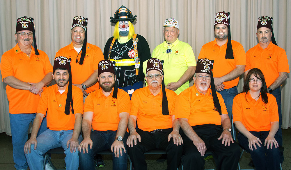 The Tadmor Shrine Circus committee gathers for a photo.