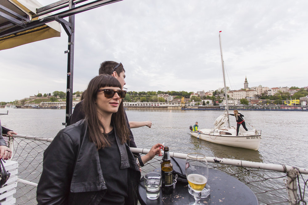 A boat docking to the 20/44 during a djset. Millivoje used to think that Serbia was driving on highway in the direction of EU, but the authoritarian turn makes him believe the opposite.