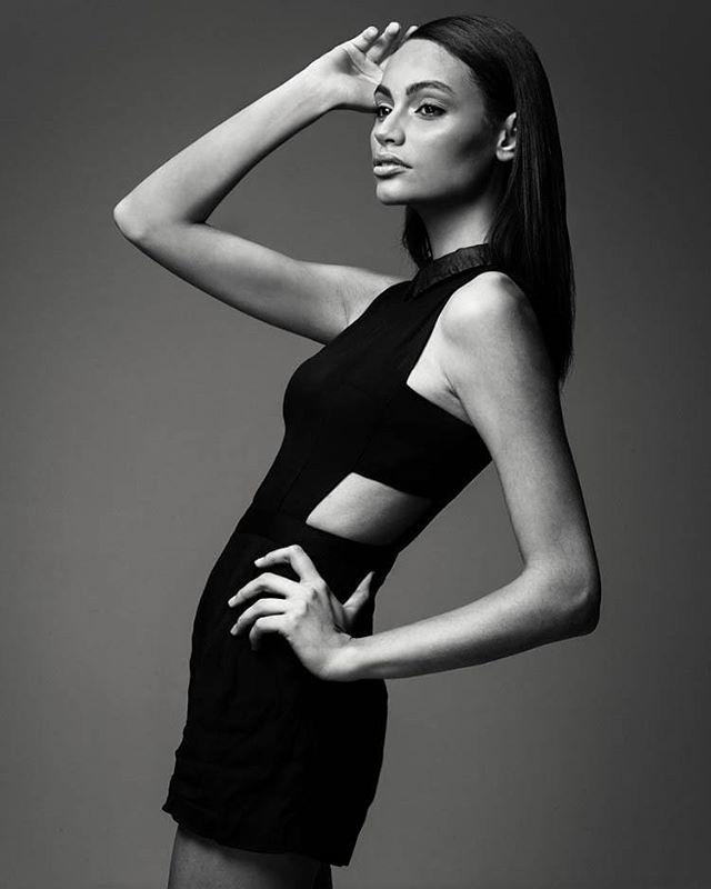#obg #testshooting @laisfelisardo Simply lovely in that dress Mua @cristina.spiri . . . . . . . . . . #fashionshooting #studioshooting #beautyshoot #kawaii #kawaiigirl #brazilianmodel #milanomodels #minimal #minimalfashion #blackdress #blackshirt #straightthepose #vogue #fashionphotography #fashioneditorial #nomakeup #flawless #ootd #liketkit #allblack #sleevless #silhouette #composition #posing #poses