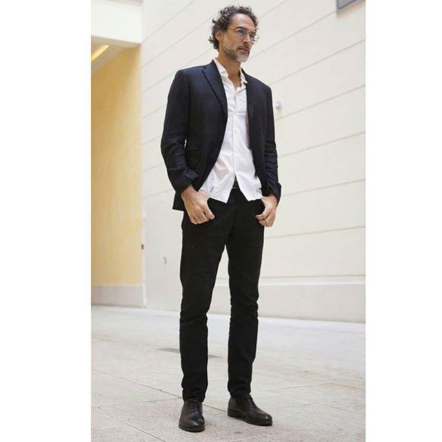 Ad campaign @lozzaocchiali  proud to collaborate with  @sergiomuniz @savastano.alfonso for Marchio di Fabbrica . . . . . . . . . #malemodel #showman #posing #adcampaign #fashionshooting #glasses #occhiali #occhialidavista #casualfashion #fancyglasses #firstclass #casual #class #photocromatic #model #mammamia #mammamiamusical #actor #modello #lifestyle #minimalism #bellavita #italianfashion #italiandesign #elegant #italianstyle