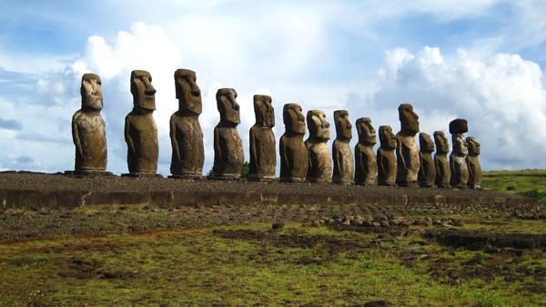 easter-island-statue-bodies-3.jpg