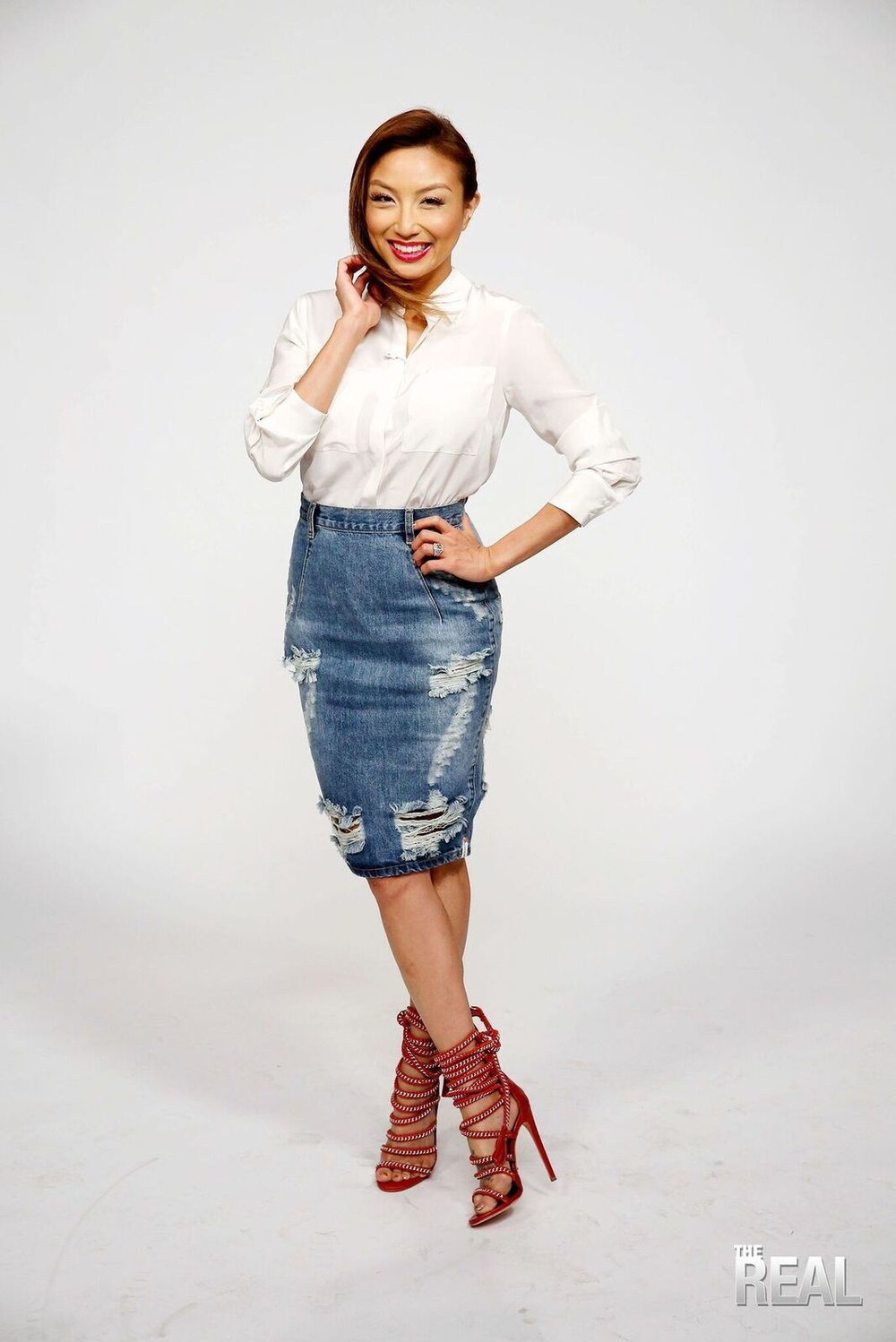 43d6f7018 Proof That You Can Wear Denim Skirts All Year Long — Jeannie Mai