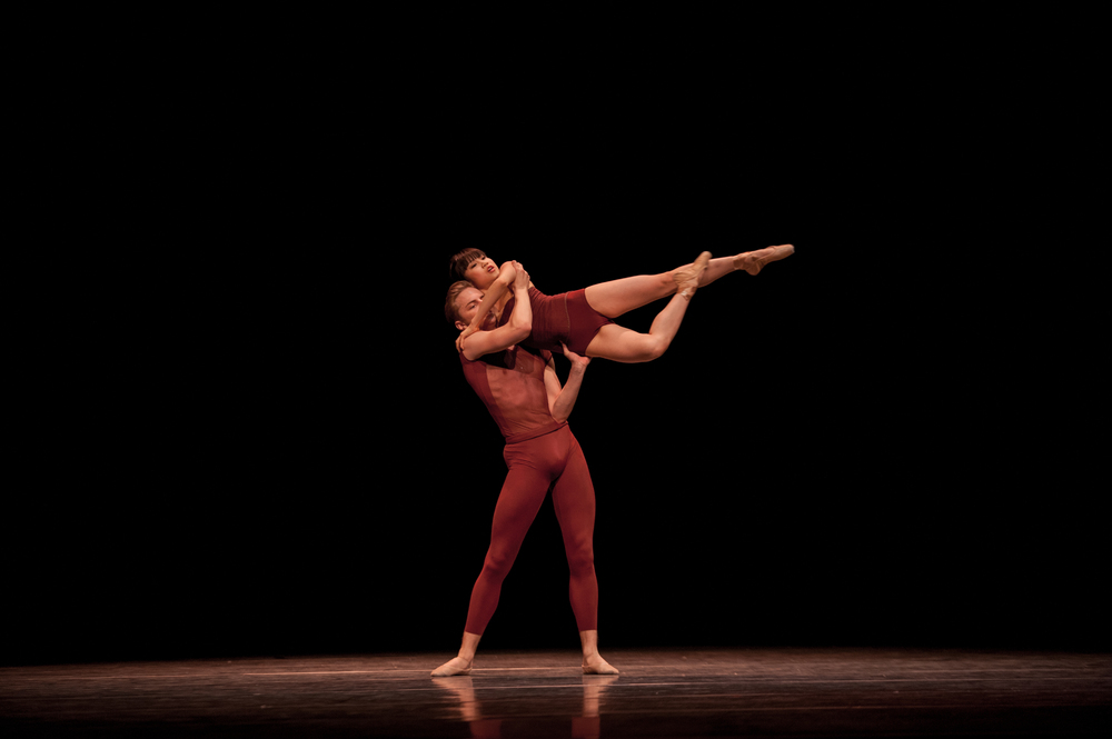 Saho Kumagai and Dylan Wald, Borderland by Price Suddarth.  Pacific Northwest Ballet Next Step.  Photos by Rex Tranter.