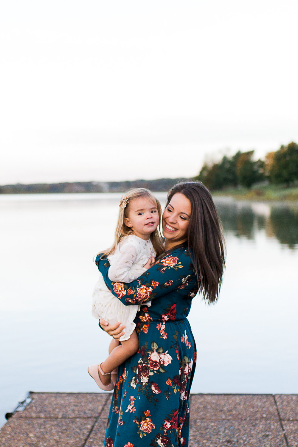 Mother and daughter by the lake, sunrise family session at Shawnee Mission Park, Kansas City mommy and me session, Rebecca Clair Photography