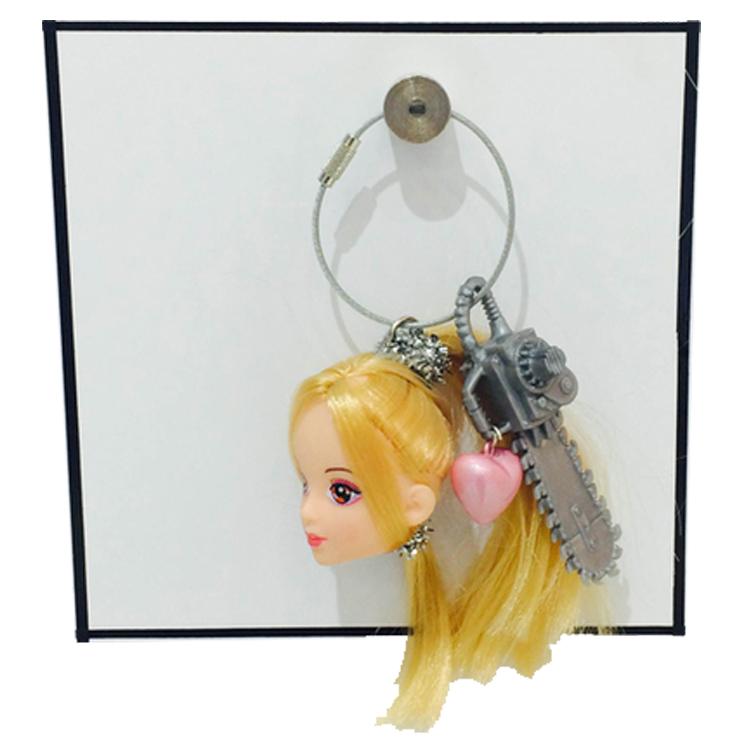 barbie_chain2.jpg