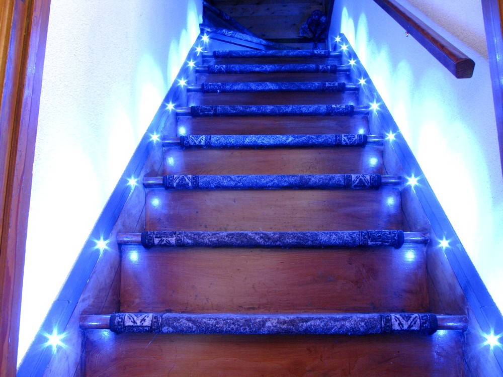 automatic-led-Stair-Lighting-Design.jpg