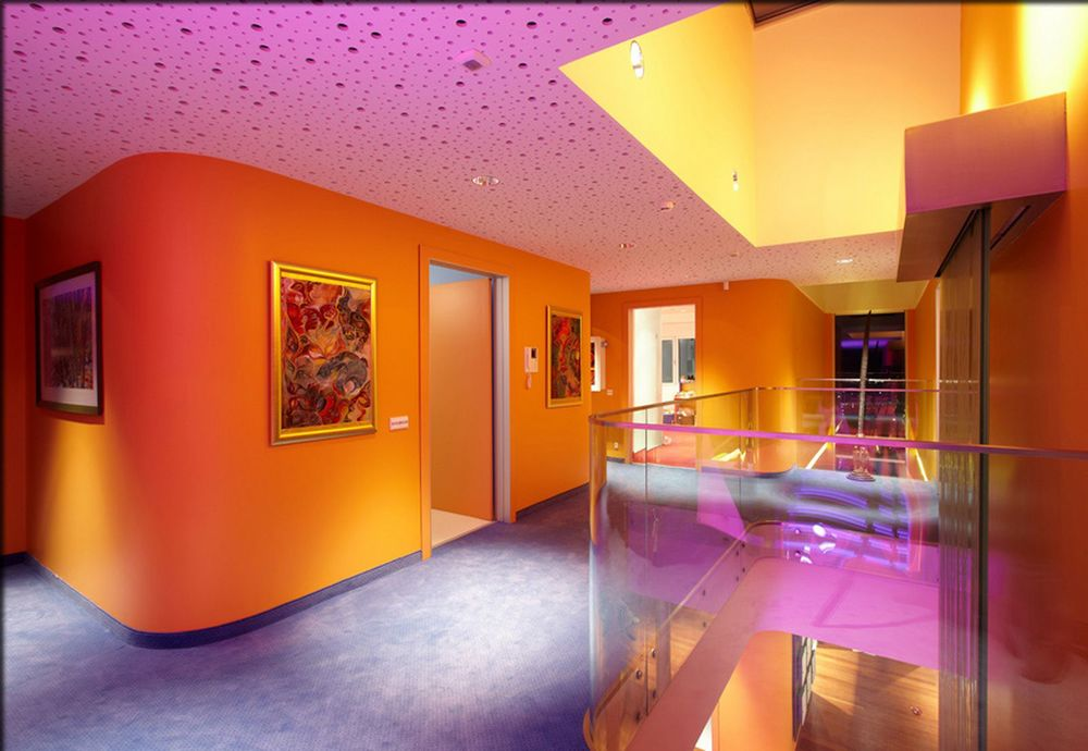 Colorful-House-Ideas-Yazgan-Design-Architecture-amazing-interior-with-colorful-LED-lighting-7.jpg