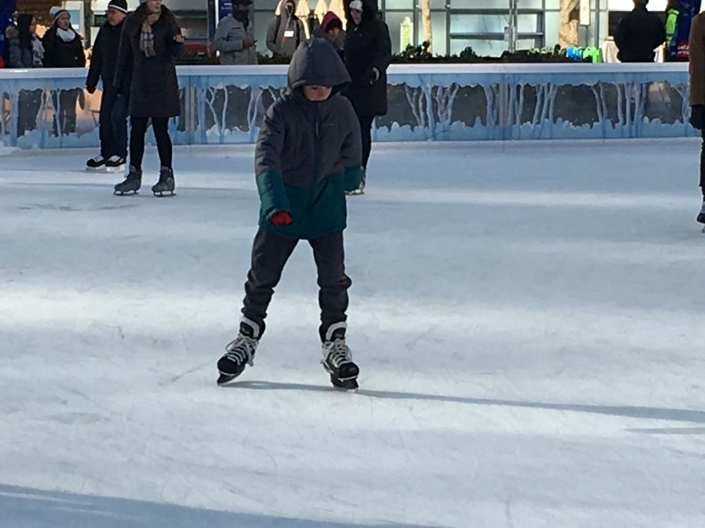 Ice skating7.JPG
