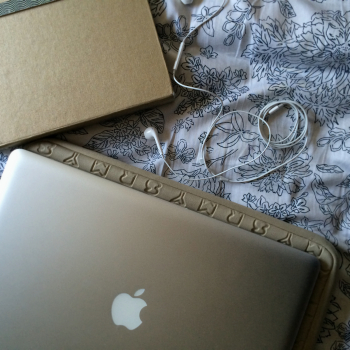 Apple Macbook Pro, Marc by Marc Jacobs case  (similar) , Apple headphones, Russell+Hazel  mini binder
