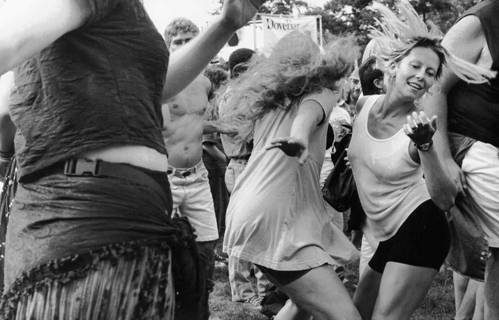 Love The Living of Life: Bumbershoot Festival Seattle, WA 9/4/95 ©Evan Nisselson