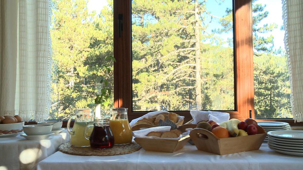 hotel_breakfast1.jpg