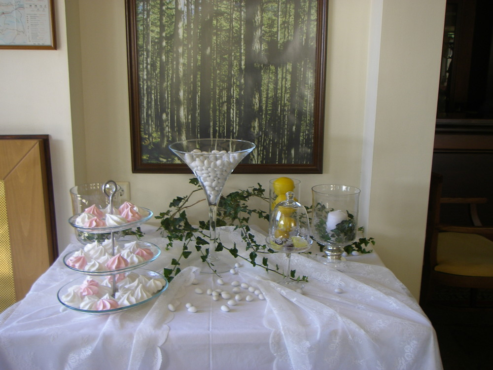 wedding_table.jpg