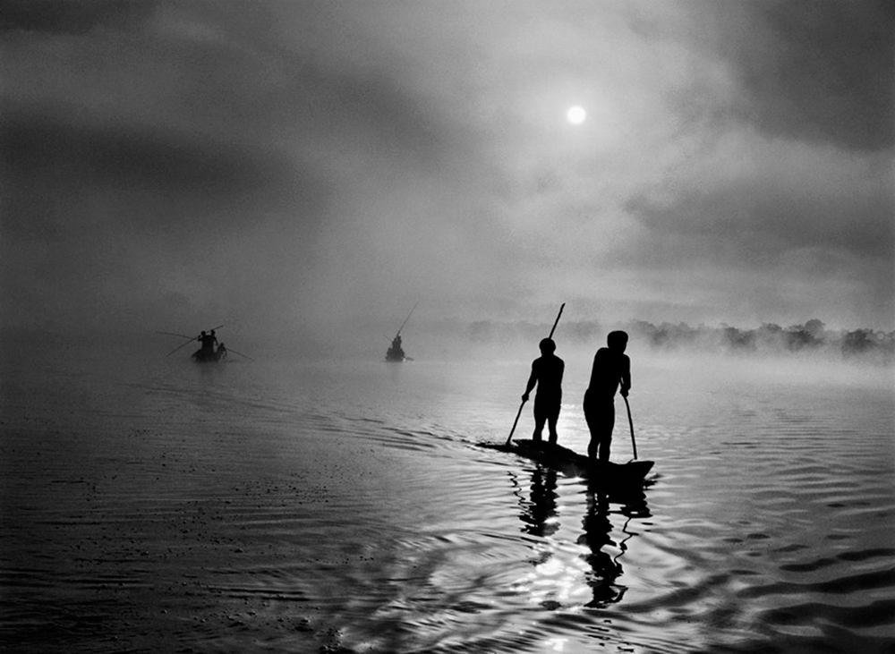 Fishing in the Piulaga Laguna during the Kuarup ceremony of the Waura Group, Upper Xingu Basin,   Mato Grosso, Brazil, 2005  24 x 35 inches  Gelatin silver print