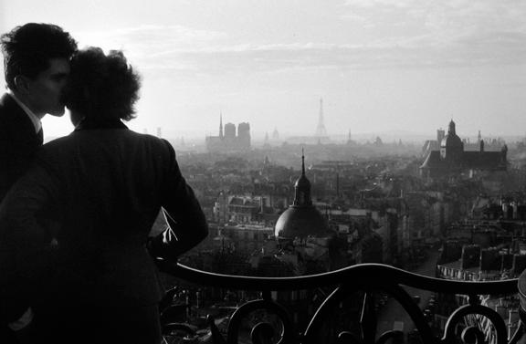 Les Amoureux de la Bastille  Paris, 1957 11 x 14 inches Gelatin silver print