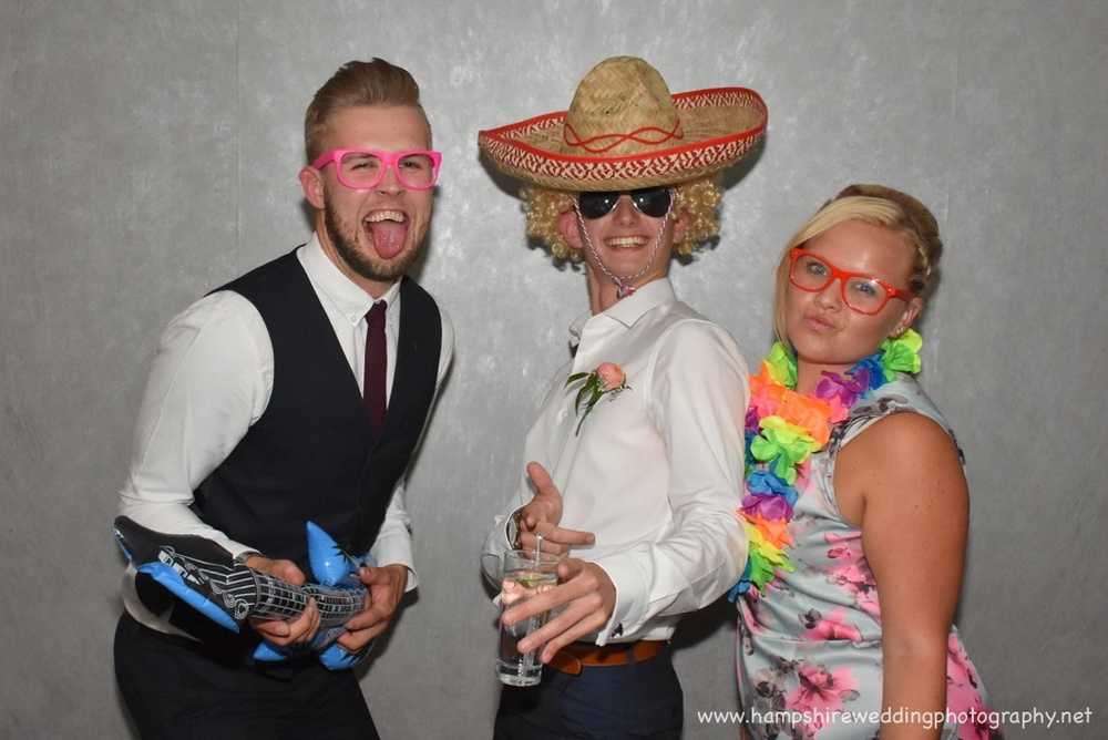Hampshire Wedding Photobooth-40.jpg