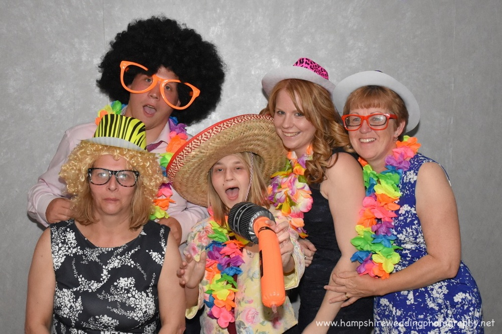 Hampshire Wedding Photobooth-57.jpg