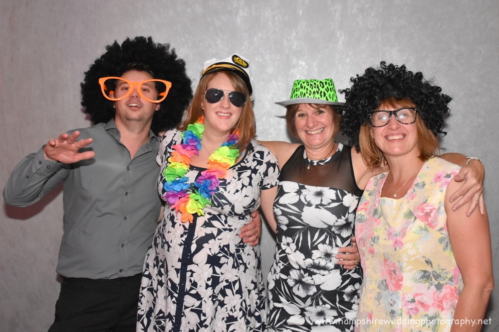 Hampshire Wedding Photobooth-66.jpg