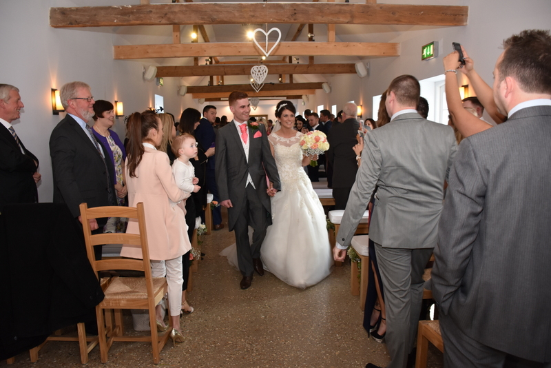 Southend Barns Wedding Images-106.JPG