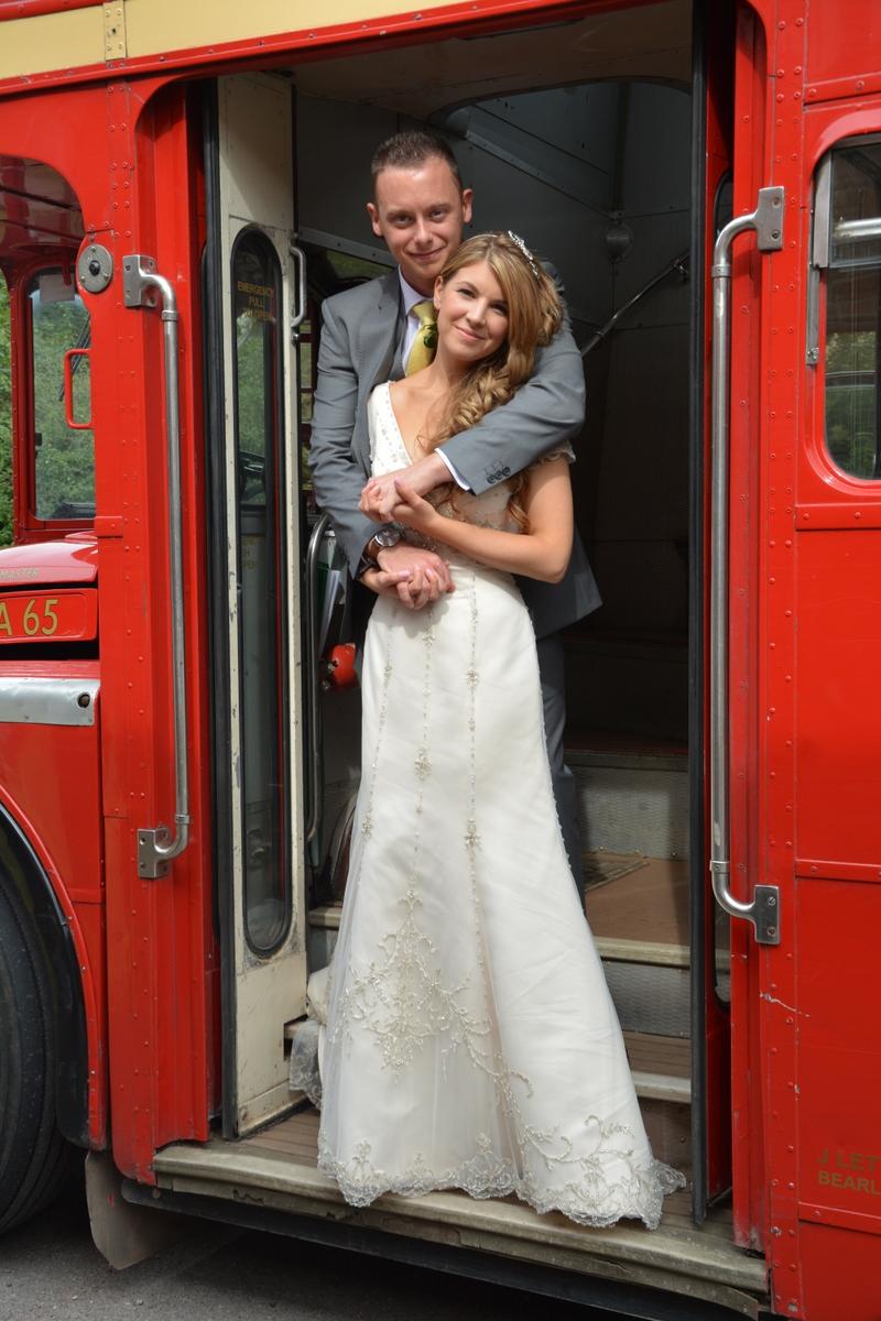 Hampshire wedding photographer-015.JPG