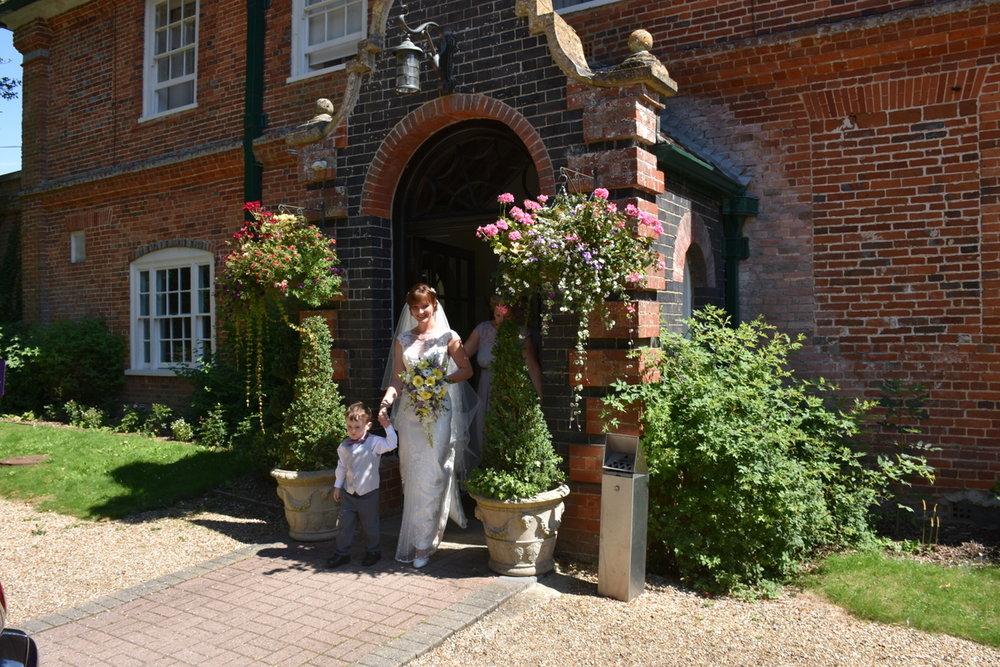 Hampshire Wedding Photographer-041.JPG