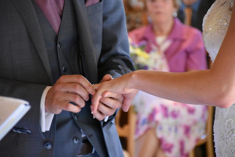 Hampshire Wedding Photographer-073.JPG