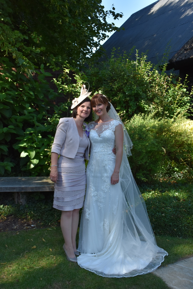 Hampshire Wedding Photographer-161.JPG