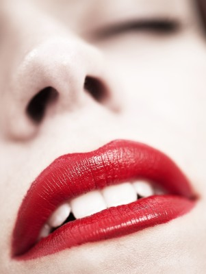 Accentuate Your Lips - BlissfulMiss.com