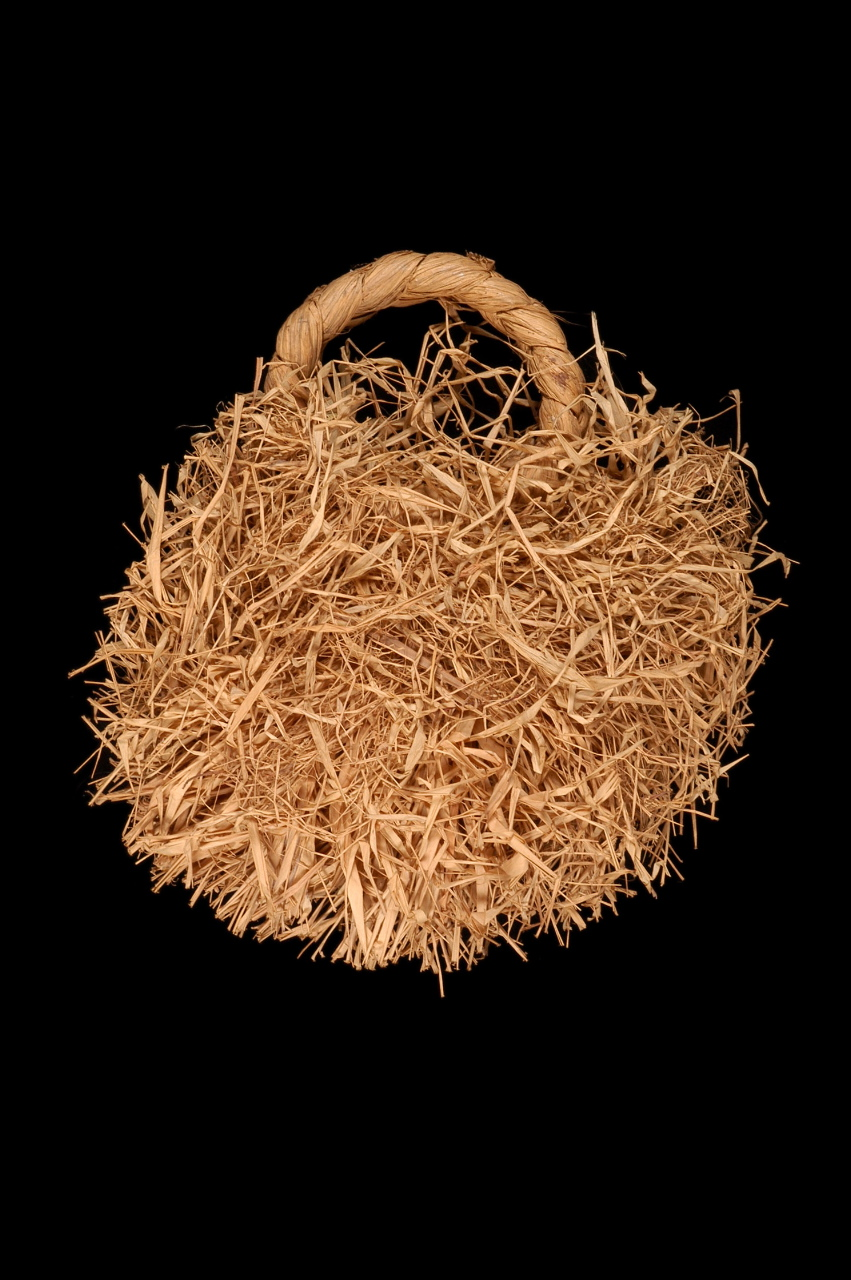 DEMOCRATIC REPUBLIC OF CONGO Raffia bracelet. 20th century