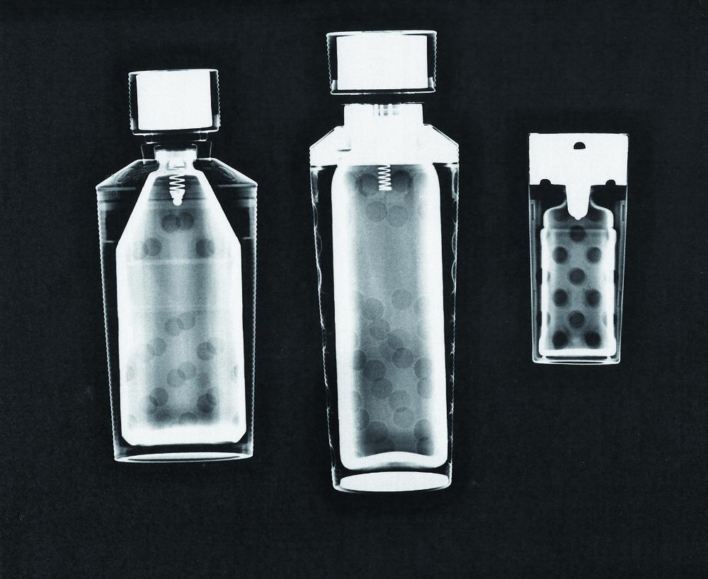 Guerlain refillable sprays L'HEURE BLEUE, Eau de toilette, 93 ml e 3.1 fl oz JICKY, Eau de Parfum,50 ml e 1.7 fl oz SHALIMAR, Parfum, 8 ml e .25 fl oz