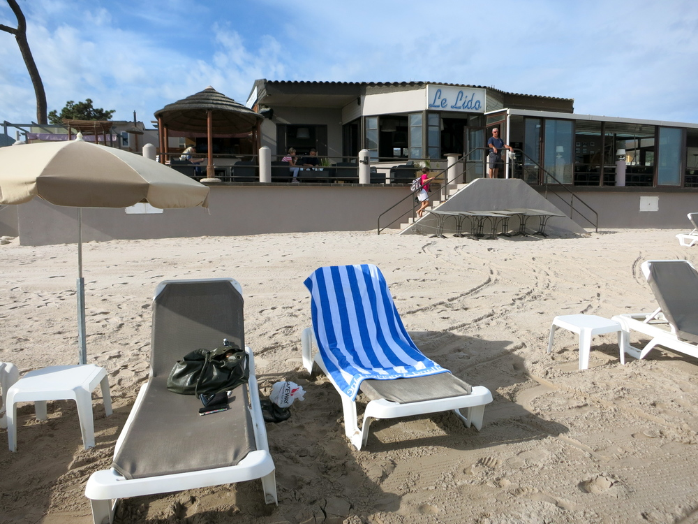 I can recommend Le Lido both for beach rentals and outstanding food. Prices range from a 690 Euro (not a typo) seafood feast to a 10 Euro salad. © 2014 Gail Jessen